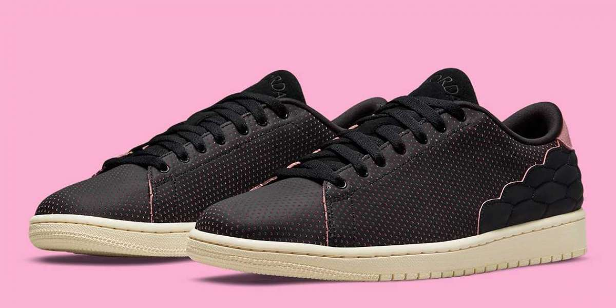 DJ2756-006 Air Jordan 1 center court uses perforated leather to prepare for summer